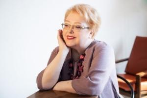 Марина Вячеславовна Смоленская. Практикующий врач-психотерапевт, специалист по семейной терапии.